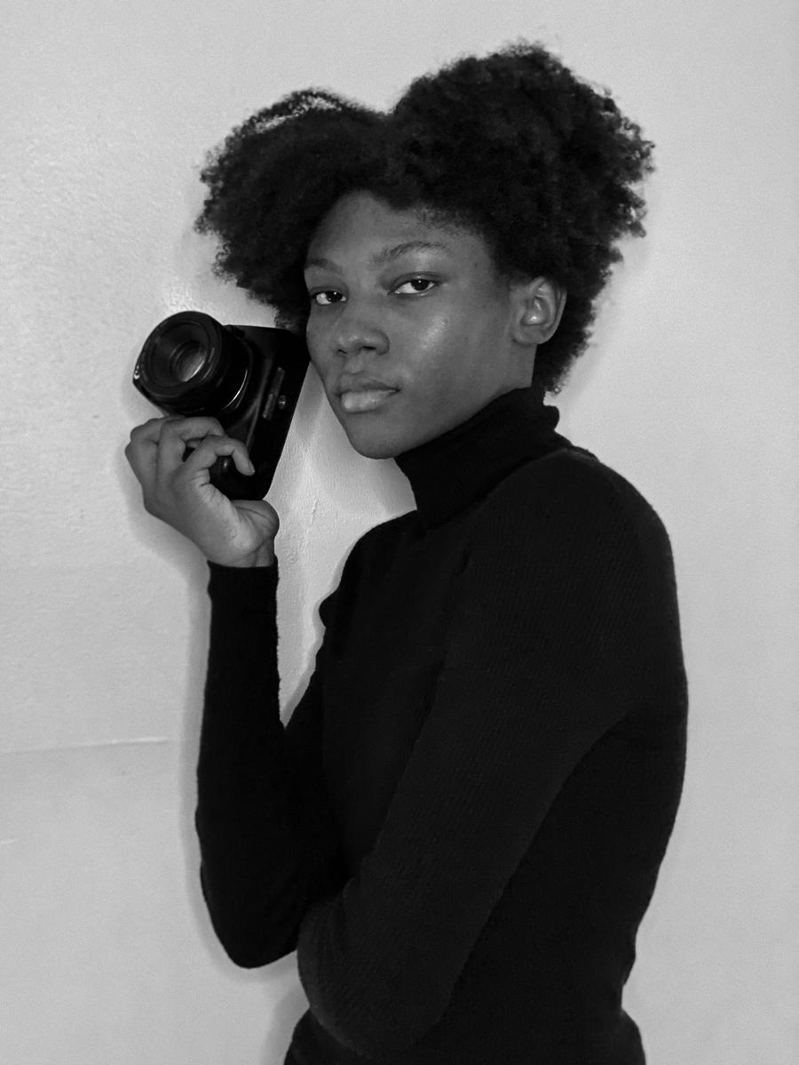 Laila Smith, Self-portrait, 2021