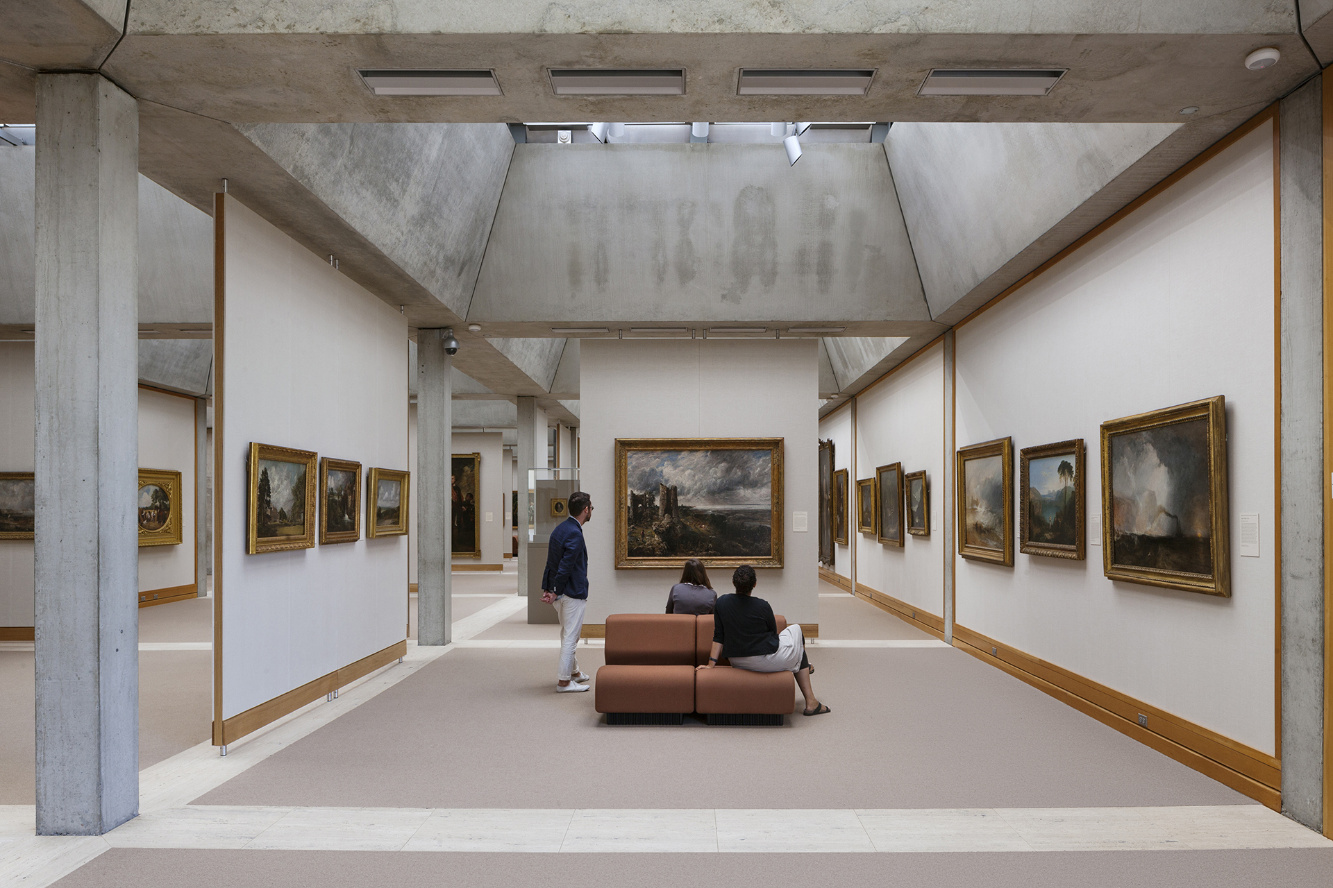 Visitors in the fourth-floor galleries, Yale Center for British Art, © Elizabeth Felicella / ESTO